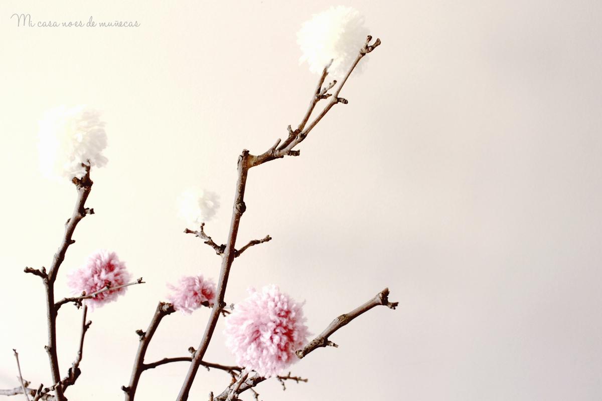 Arbol de ramas y pompones 11