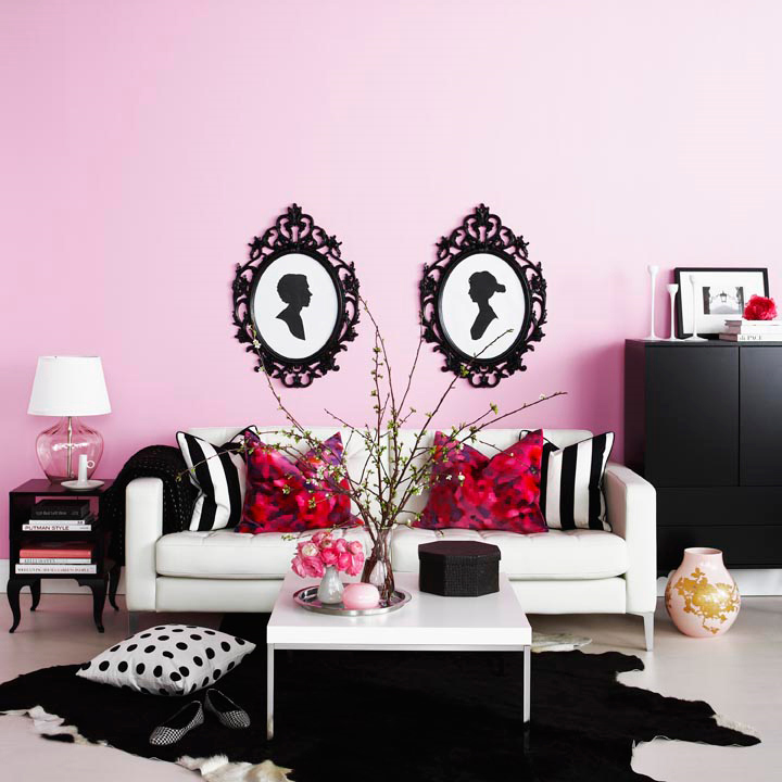 PINK-WALLS-WITH-B&W-SILHOUETTE-ART