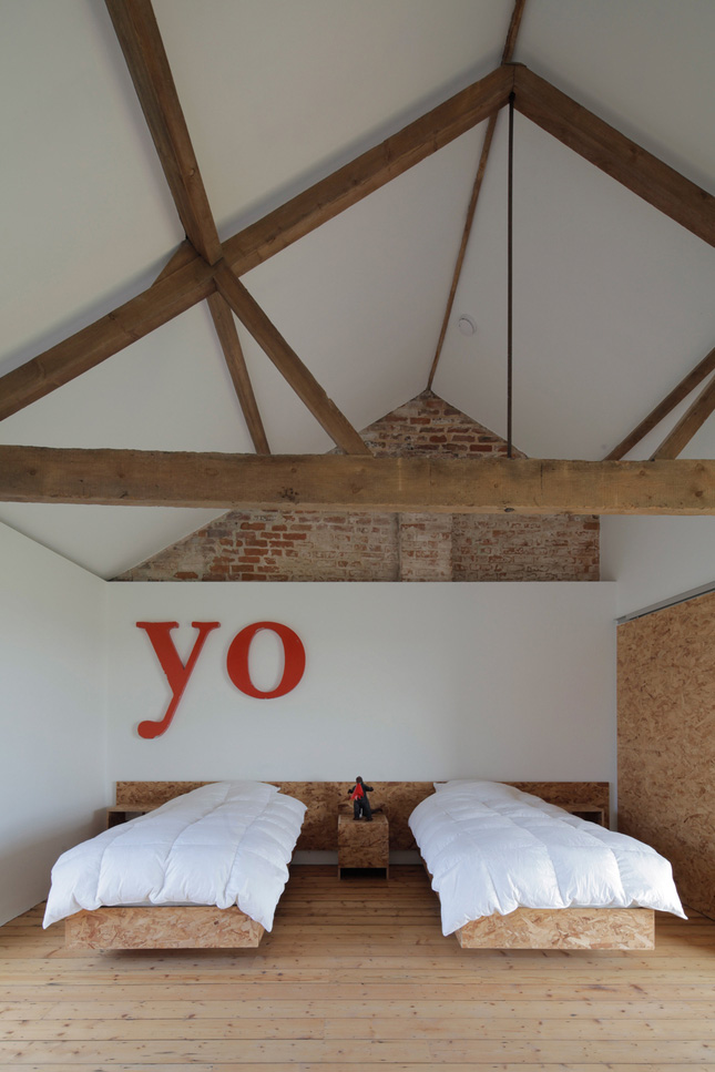 yellowtrace_Ochre-Barn-by-Carl-Turner-Architects_Norfolk-England_06