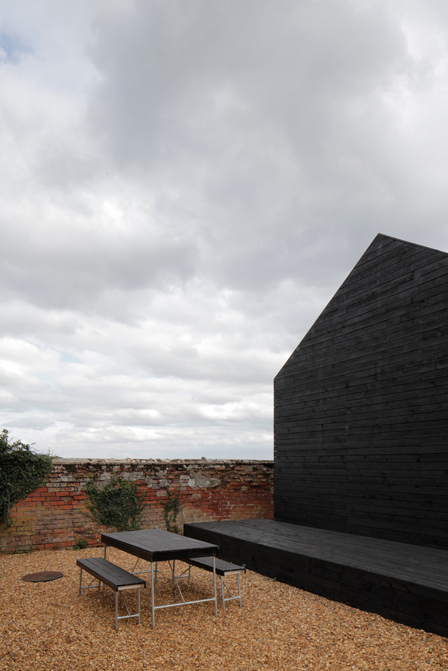 yellowtrace_Ochre-Barn-by-Carl-Turner-Architects_Norfolk-England_15