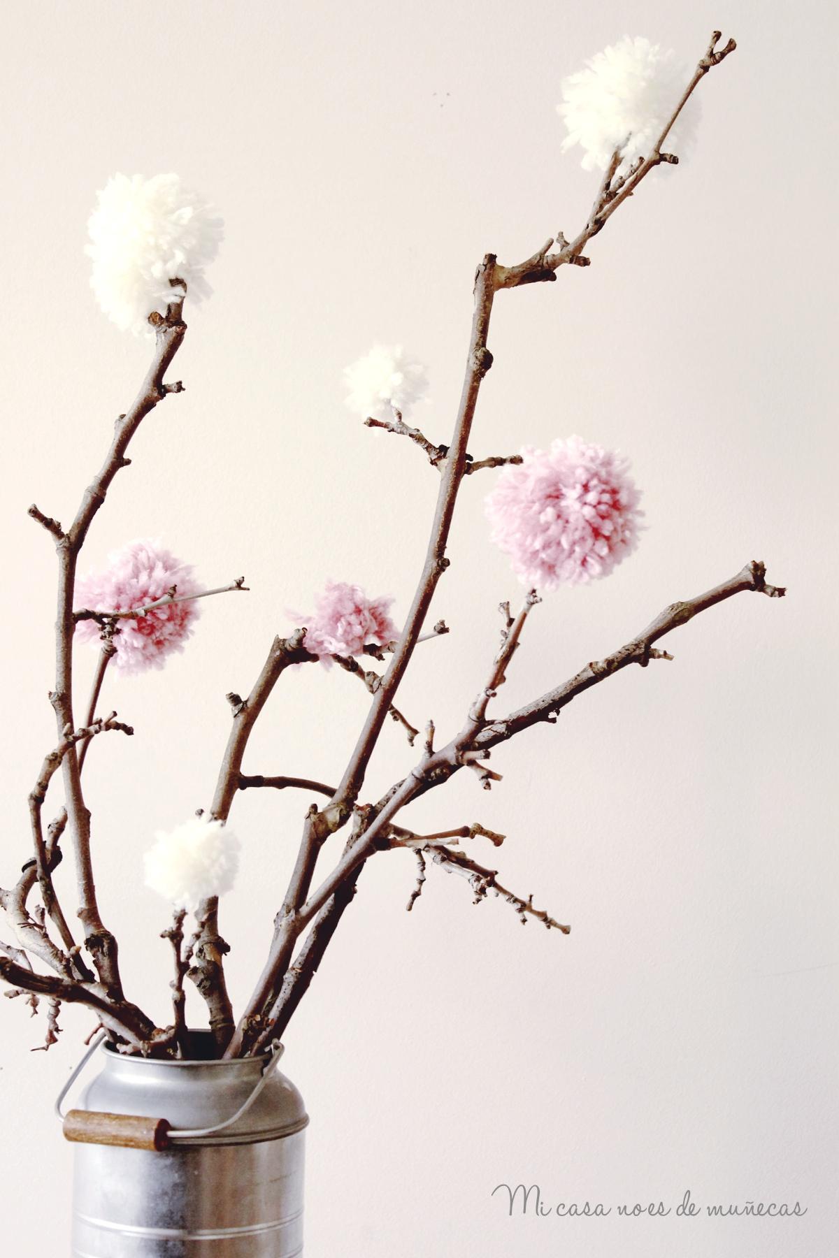 Arbol de ramas y pompones 01