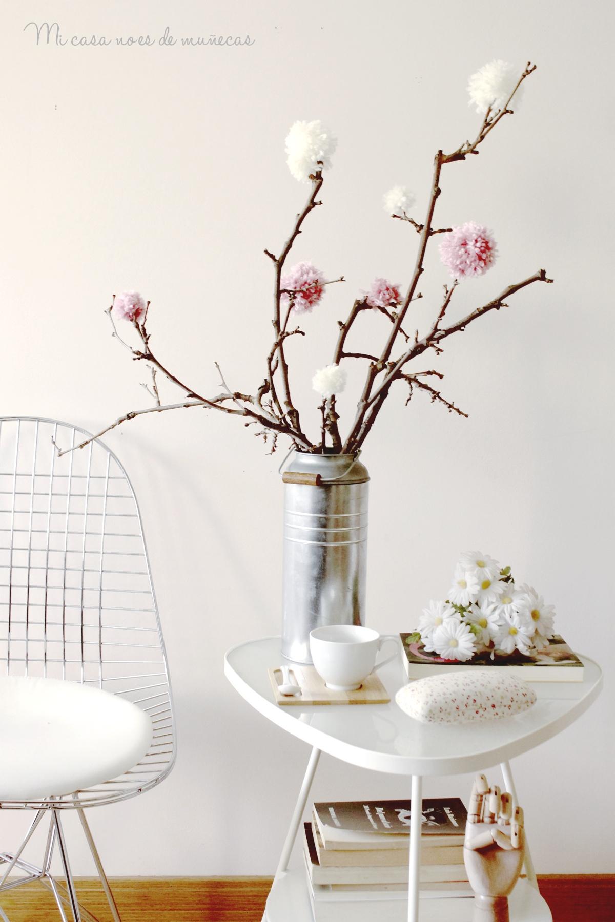 Arbol de ramas y pompones 03