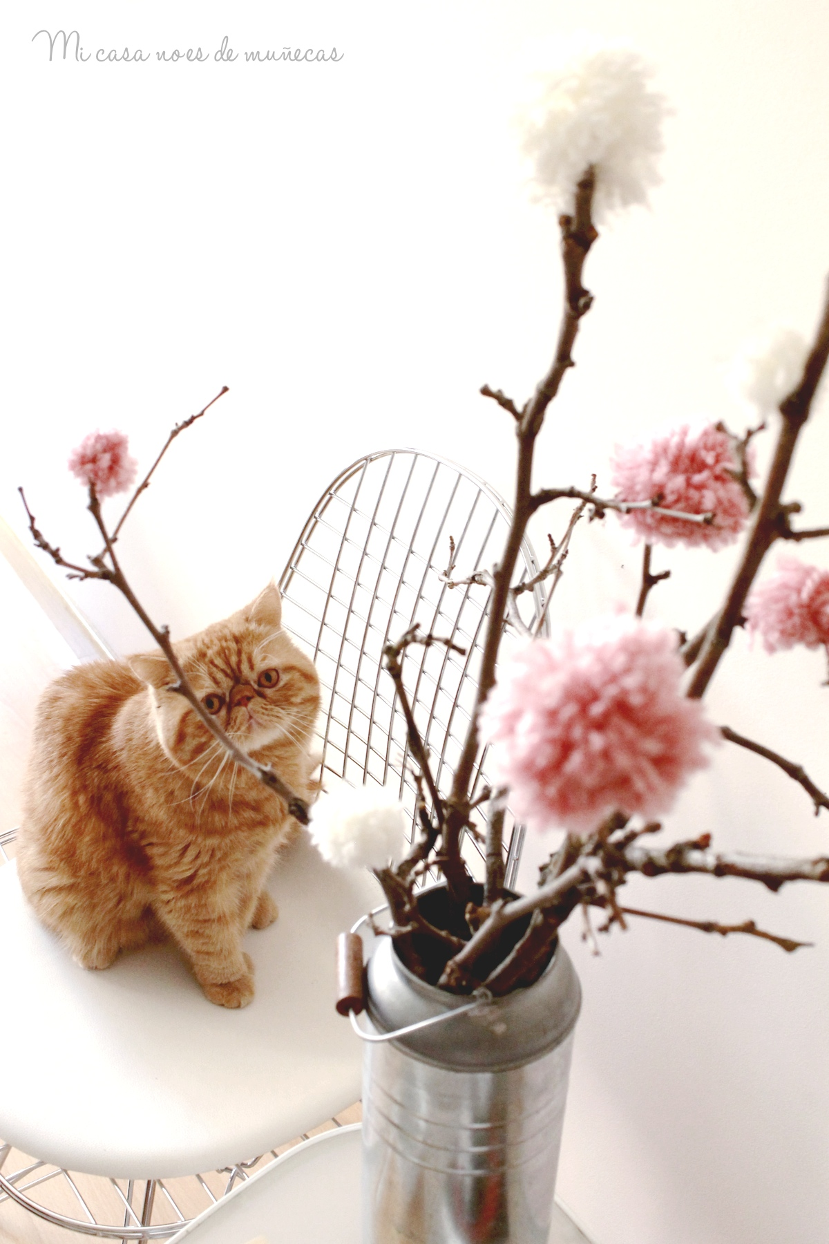 Arbol de ramas y pompones 07