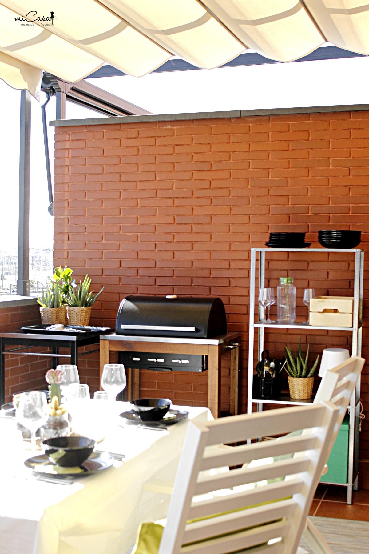 Decorando la terraza de mar a y david con ikea mi casa for Mobiliario de terraza ikea