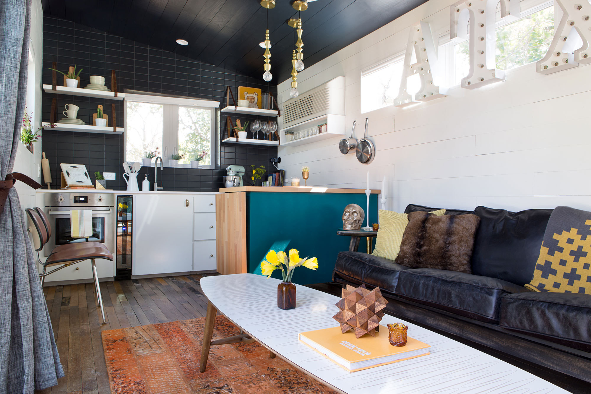 House tour vivienda mini y sobre ruedas en texas mi for Programa interiorismo online