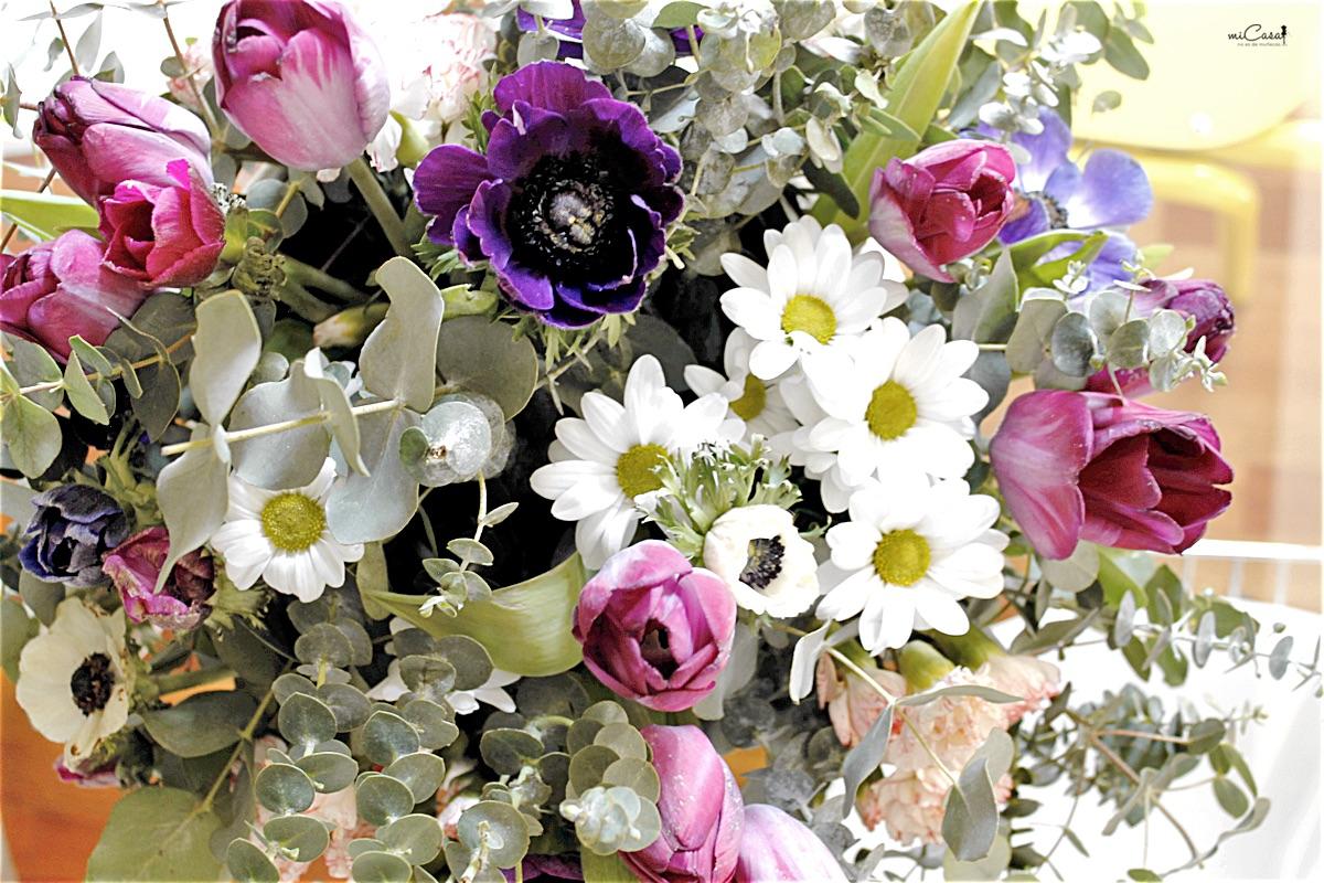 Centro mesa flores en casa 11