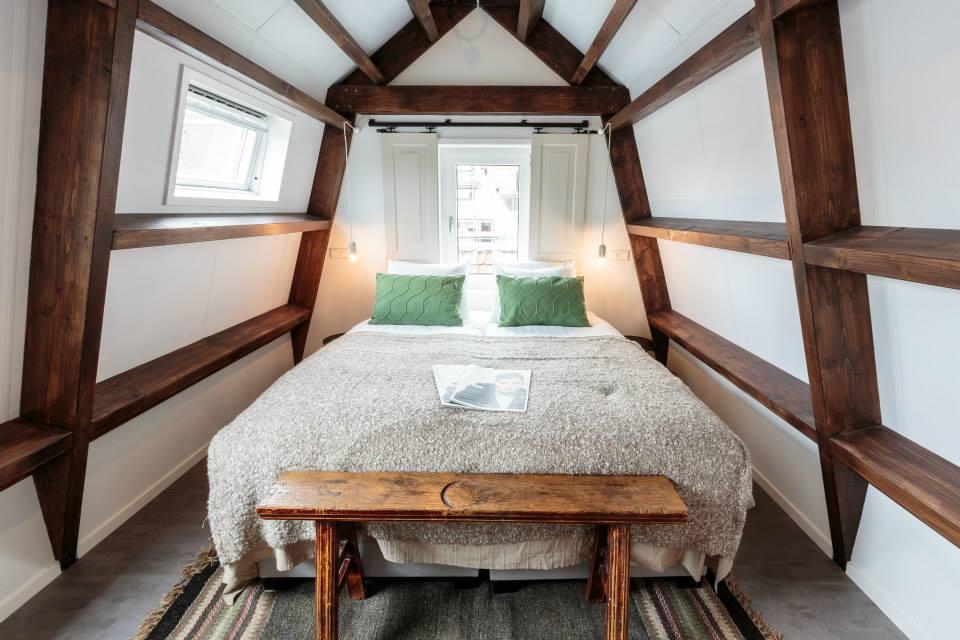 HOTEL DWARS IN AMSTERDAM 10