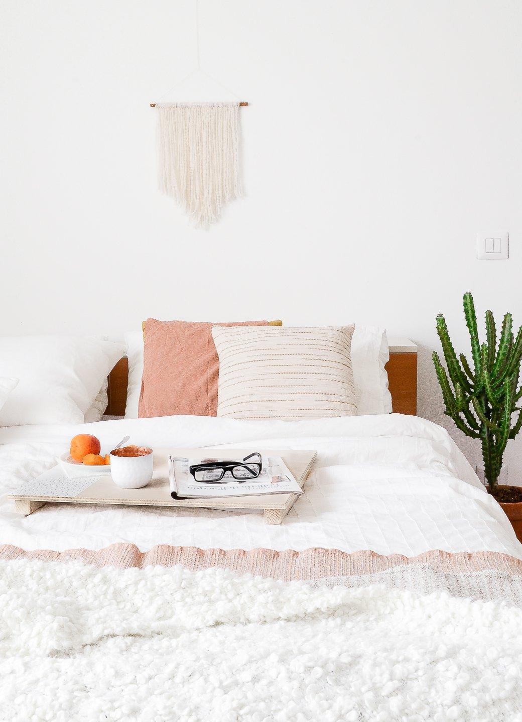 DIY bandeja para la cama 03