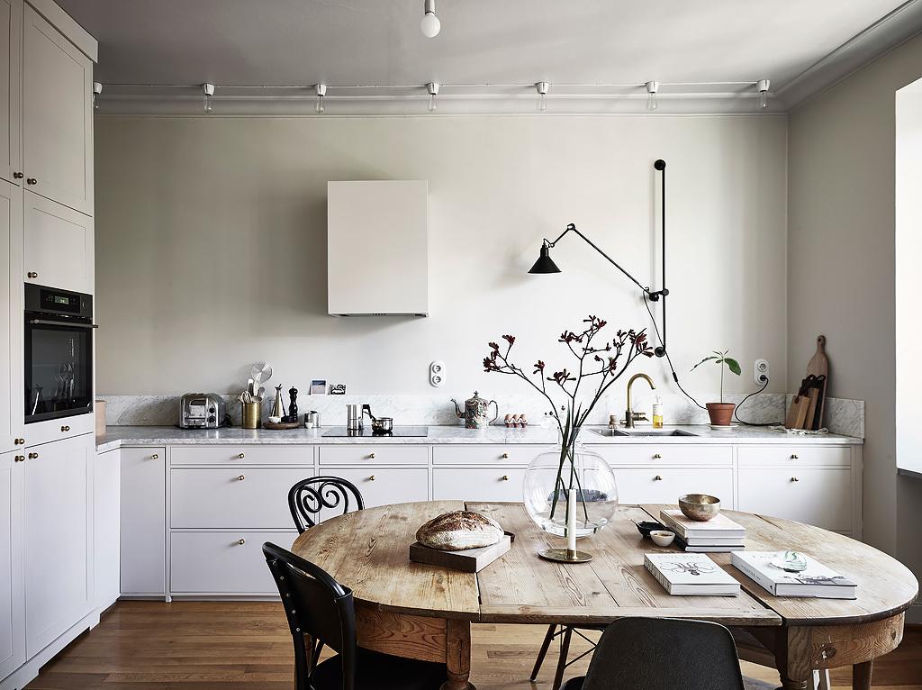un-apartamento-sueco-con-toques-otonales-02