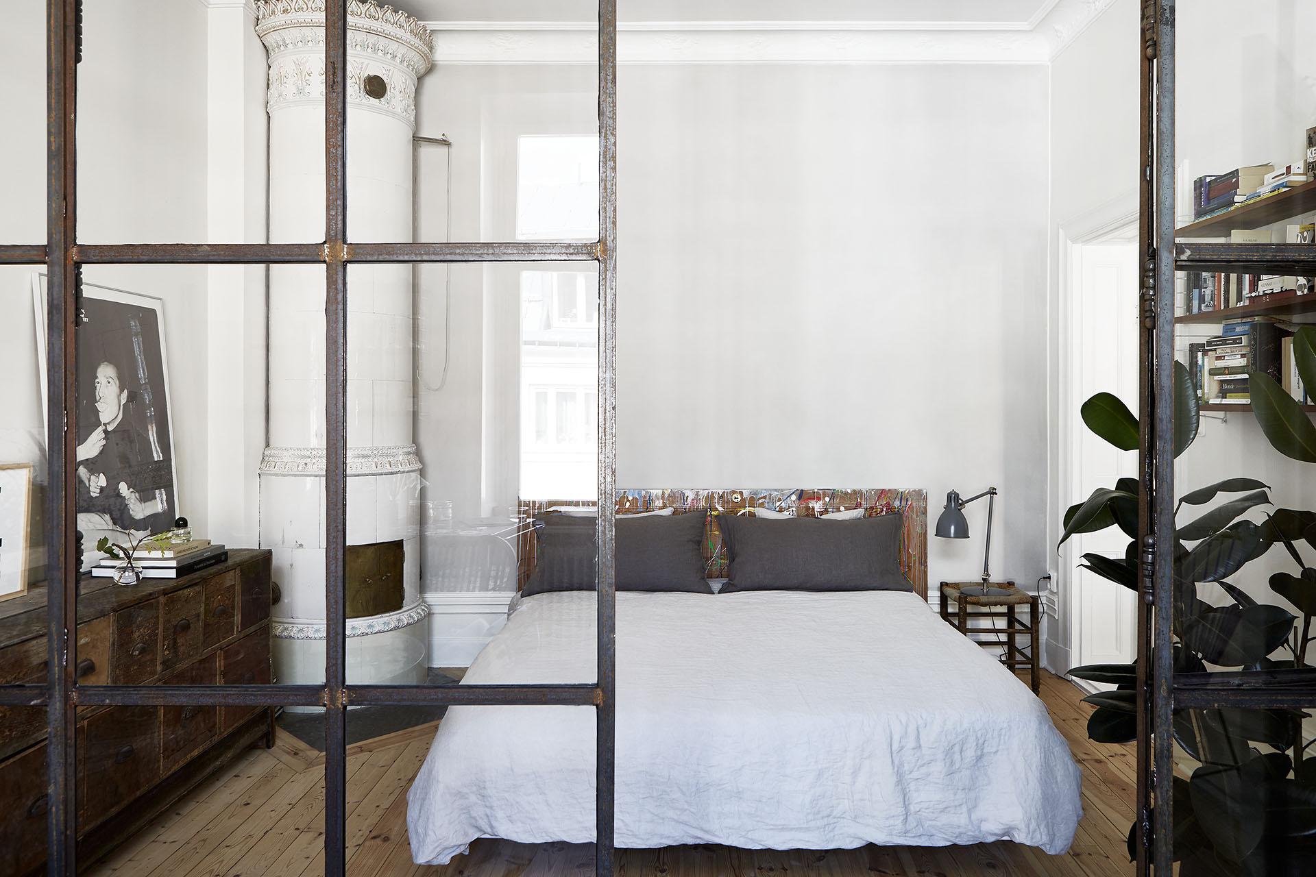 Apartamento nordico-industrial en Estocolmo 07