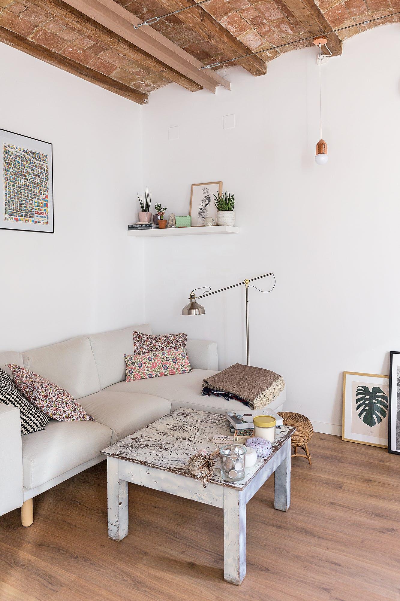 House tour apartamento en barcelona entre lo n rdico y for Master interiorismo barcelona